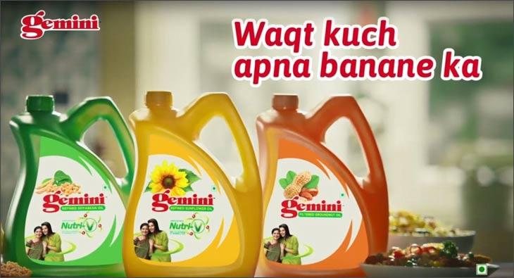 Waqt Kuch Apna Banane Ka